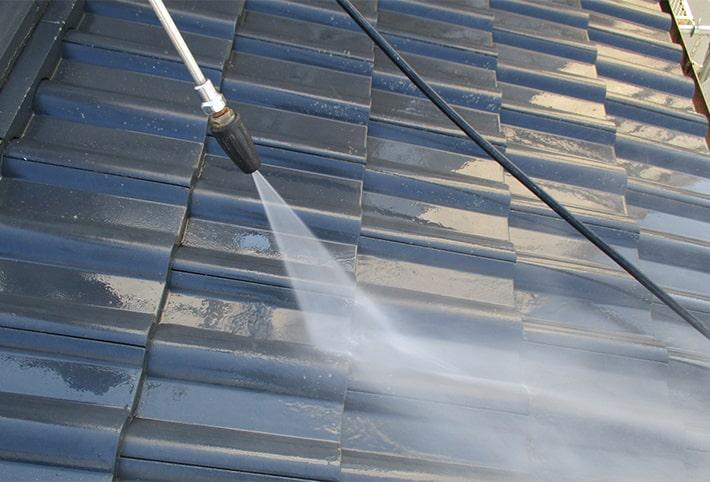 Step.02 屋根の洗浄